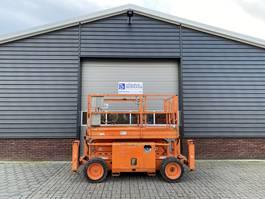scissor lift wheeld Skyjack SJ6826RT schaarhoogwerker diesel 10 M 2011