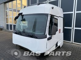 cabine truck part Renault Renault T-Serie Sleeper Cab L2H2 2014