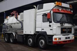 vacuum truck MAN 32.462, 8x4, Euro 2, Retarder, Manuel, Fico Vacuum + Pressure, Truckcenter Apeldoorn