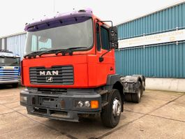 chassis cab truck MAN 27.314FNL 6x2 CHASSIS (ZF16 MANUAL GEARBOX / EURO 3 / LIFT-AXLE / RHD) 2002