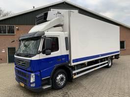 refrigerated truck Volvo FM 330 EEV 4X2 Kuhlkoffer + LBW Carrier Supra 750 D+E 2011