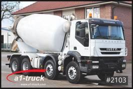 concrete mixer truck Iveco 410 Trakker 8x4, 187.242 Kilometer 2011