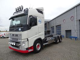 container truck Volvo FH 540 FH4- / GLOBETROTTER / 6X2 / HIAB HOOKLIFT 18 TON / EURO-5 / 2013 2013