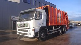 garbage truck Volvo FM 9 - 260 (MANUAL GEARBOX / 6X2 / 8 TIRES / GOOD CONDITION) 2002