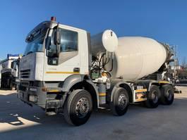 concrete mixer truck Iveco Trakker 410T44 CIFA 13mc 2006