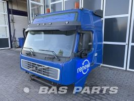 cabine truck part Volvo Volvo FM2 Globetrotter L2H2 2003
