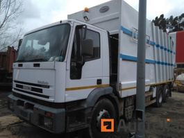 closed box truck Iveco 260E31Y/PS 2004