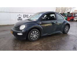 hatchback car Volkswagen New Beetle 2.0 Highline 2001