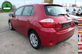 sedan car Toyota Auris 5 Trg. 1.33-l-Dual-VVT-i Life EURO-5 KLIMA 2010