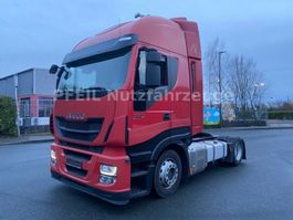 mega-volume tractorhead Iveco AS440S46  Hi-Way- Intarder- Mega- 2 Tanks-Navi 2015
