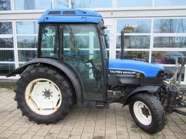 farm tractor New Holland TN75N 4WD Airco Supersteer 2001