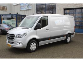 closed lcv Mercedes-Benz Sprinter 319 CDI 3.0 V6 L2H1 LED, MBUX 10.25, Camera, Climate control 2019