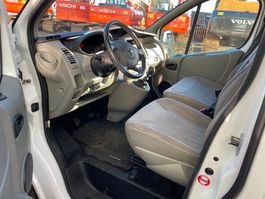 other passenger car Nissan Primastar 2014