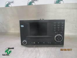 Electronics truck part Mercedes-Benz A 000 446 66 62 RADIO MP4
