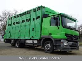 Pferdetransporter-LKW Mercedes-Benz Actros 2541 Menke 3 Stock Vollalu 2005