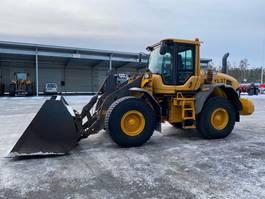 wheeled excavator Volvo L90G 2013