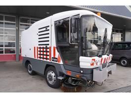 andere Baumaschine Ravo Veegmachine 540 Euro 5 met 2 borstels 4829 Veeguren Hoogkieper 2013