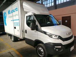 closed box truck Iveco Daily 35