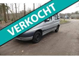 mpv car Peugeot Partner 1.4 Combispace nap en trekhaak 2000