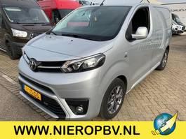 closed lcv Toyota proace airco navi 2017