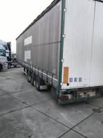 sliding curtain semi trailer Fruehauf Fruehauf 3 asser lucht 2005
