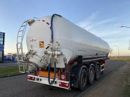 feed semi trailer SPITZER 3-Axle Silo / Bulk / 48.000 L / SAF / Discbrakes 2001