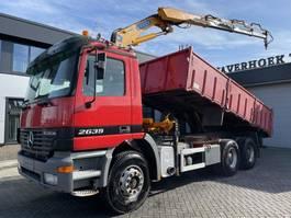 tipper truck > 7.5 t Mercedes-Benz Actros 2635 2635K 6x4 Tipper/Crane 2000