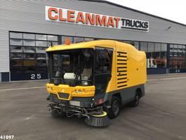 Road sweeper truck Ravo 530 met bladzuiginstallatie 2009