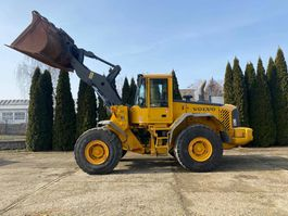 wheel loader Volvo L 120 E 2002