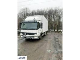 closed box truck Mercedes-Benz Atego 818 818L box truck w/ lift 2008