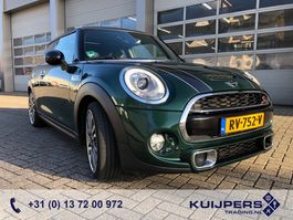 hatchback car MINI Cooper S 2.0 / JCW Chili / Leder / Navi / Pano / 18 inch 2018
