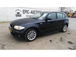 hatchback car BMW 1-serie 118d 2005