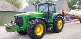 farm tractor John Deere 8520 Powershift 2003