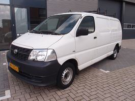 closed lcv Toyota HiAce 2.5 D-4D LWB COMFORT 105.000km like new! 2009