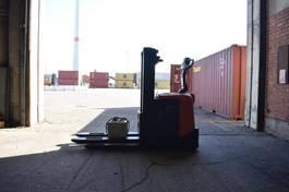 Palettenstapler BT SPE160L 2015