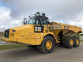 wheel dump truck Caterpillar 725C 2015
