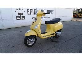 motorcycle Piaggio Vespa LX125