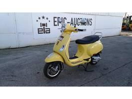 motorcycle Piaggio Vespa VXL125