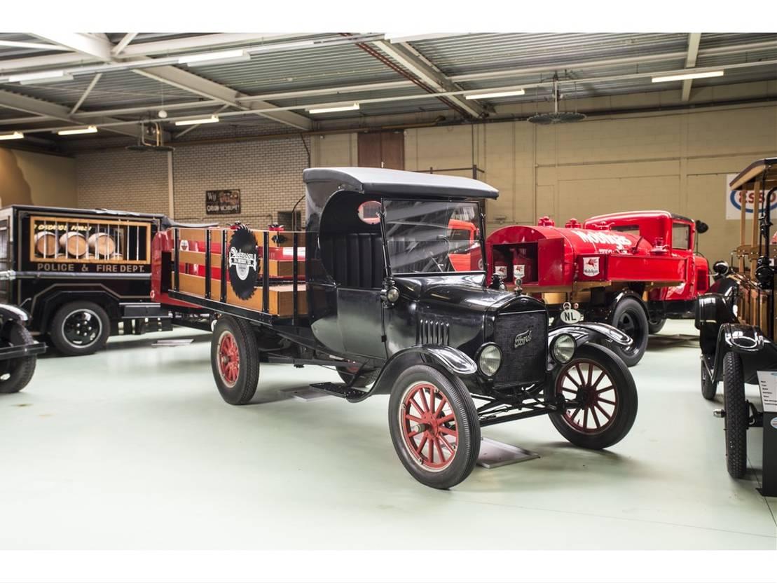 pickup passenger car Ford Model T T TRUCK FLATBED 1926