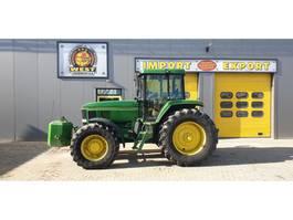farm tractor John Deere 7600