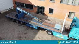 flatbed semi trailer Kempf 3-ass. Steenoplegger met Kennis 14 ton/mtr. Kraan 2000