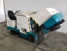 road sweeper Tennant 8410