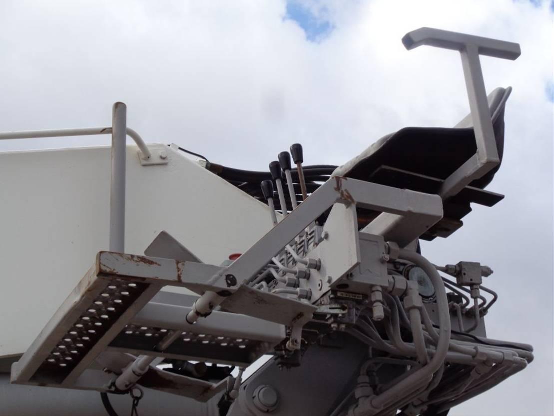 Plattform-LKW DAF CF 85.460 + Euro 5 + JKB Kennis Type 20.000 Crane + Pto 2013