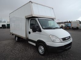 closed lcv Iveco Pæn lille varevogn Daily 35S 2010