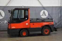 tow tractor Linde P250 2004