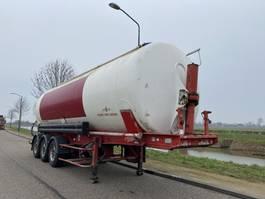 feed semi trailer SPITZER Silo / Bulk / AK 2746 / 46m3 / SAF / Disc 2001