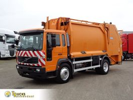 garbage truck Volvo FL serie 220 Automatic + Airco + Garbage 2006