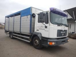 livestock truck MAN 14.220 Kreaturbil 2004