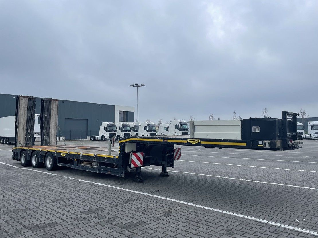 semi lowloader semi trailer Broshuis LIFT FOOR,RAMPS,WINCH,STEERING 2015