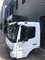 cabine truck part Mercedes-Benz Fahrerhaus Kabine 4-cylinders